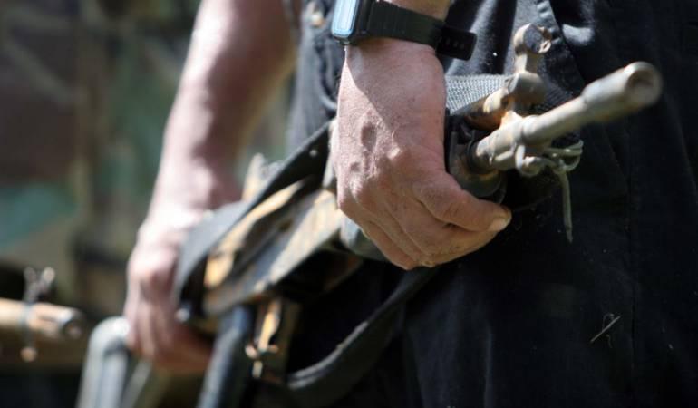 Hallan 7 caletas con armamento en zona esmeraldera de Boyacá: Hallan 7 caletas con armamento en zona esmeraldera de Boyacá