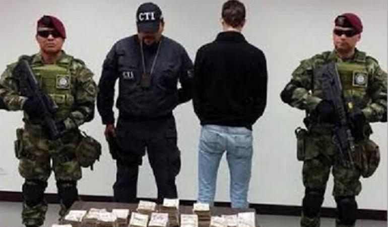 Incautan 613 millones de las Bacrim: Conductor del Congreso fue capturado con $613 millones de las Bacrim