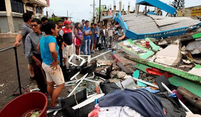 Prioridad inmediata el rescate de los sobrevivientes atrapados en los escombros: Correa