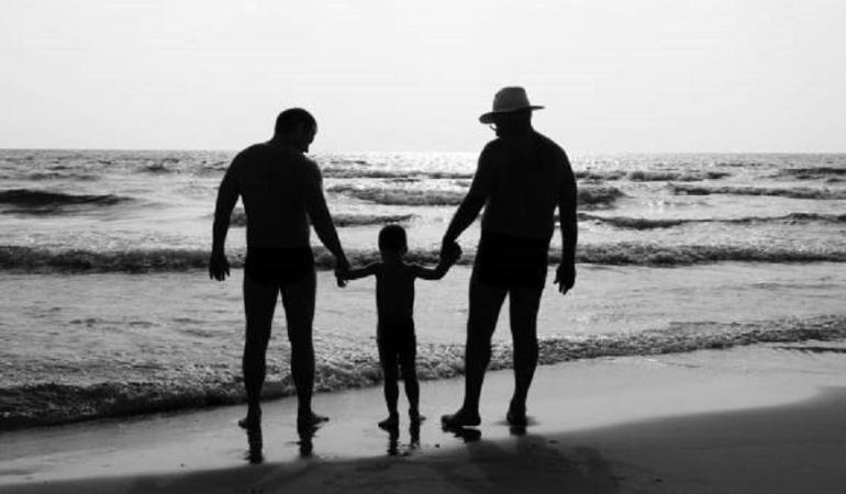 Parejas del mismo sexo ya podrán registrar a sus hijos: En Colombia parejas del mismo sexo ya podrán registrar a sus hijos sin restricción