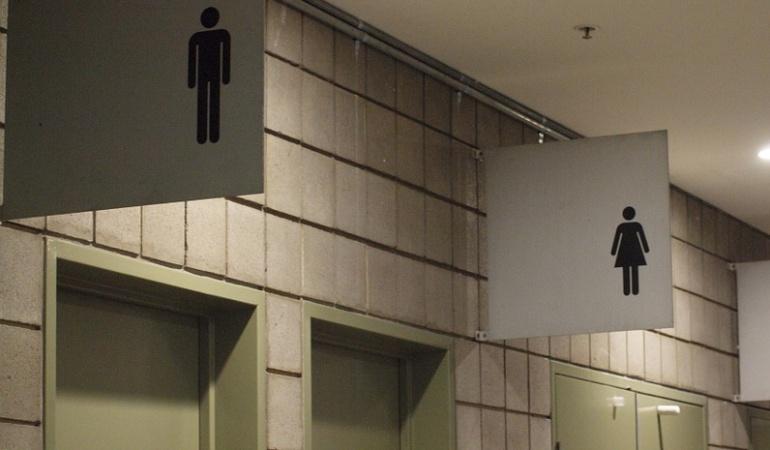 transexuales uso de baño: EE.UU. exigirá a escuelas que alumnos transexuales usen los baños que prefieran