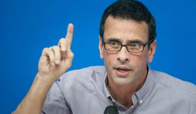 """Capriles advierte que Venezuela será una """"bomba"""" si impiden revocatorio"""