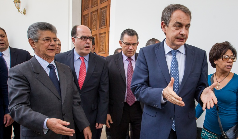 Rodríguez Zapatero concluye reunión con líderes de la oposición venezolana.