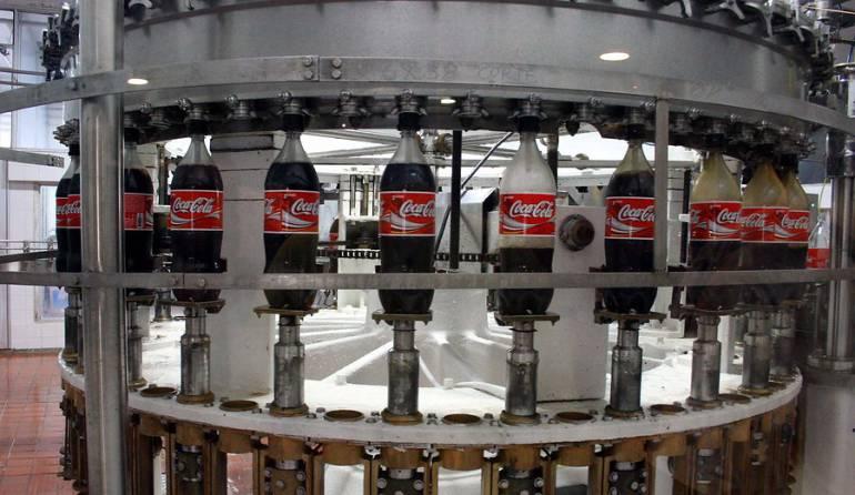 Crisis Venezuela: Coca-Cola: Coca-Cola anuncia su suspensión de su producción en Venezuela por falta de azúcar