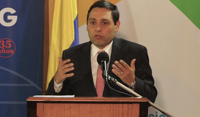 seguridad privada: Senador Lizcano niega mico en proyecto que regula la seguridad privada