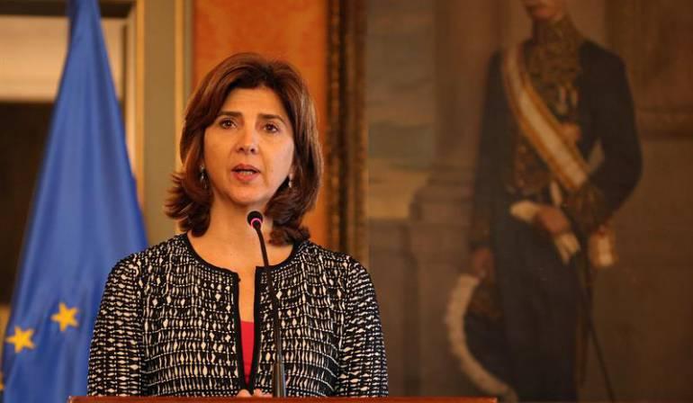 Cancillería colombiana tutela: Canciller María Ángela Holguín sería sancionada por incumplir un fallo de tutela