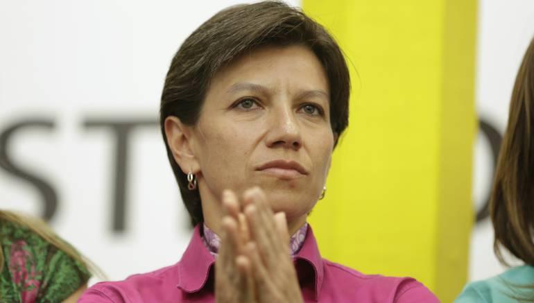 Los polémicos 'trinos' de Claudia López contra Uribe