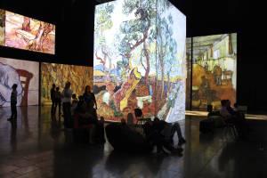 Revista Arcadia y Van Gogh Alive llevaron a cabo el primer encuentro entre visitantes y críticos del arte impresionista