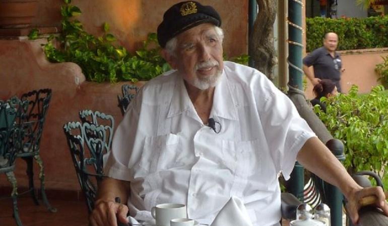 Rubén Aguirre, el 'Profesor Jirafales', está mejor de salud: 'Profesor Jirafales' se recupera de una neumonía, aclara su hija