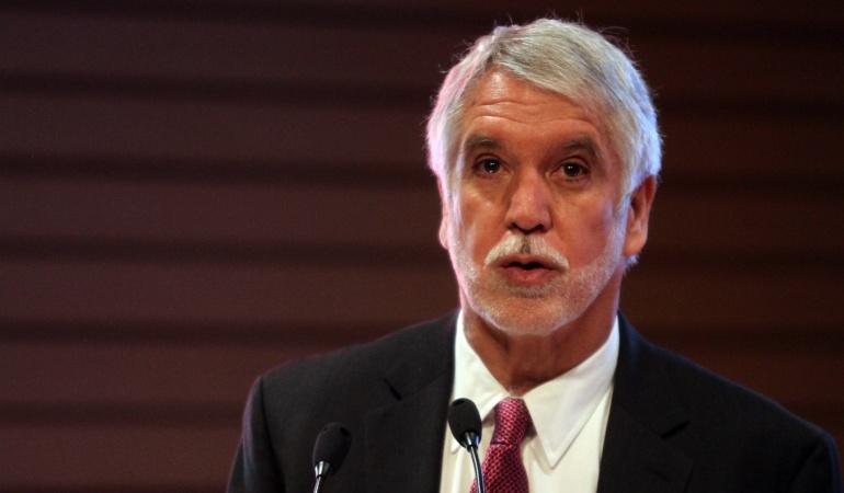 Doctorado y Maestria de Peñalosa: Despacho del vicefiscal investigará hoja de vida del alcalde Enrique Peñalosa