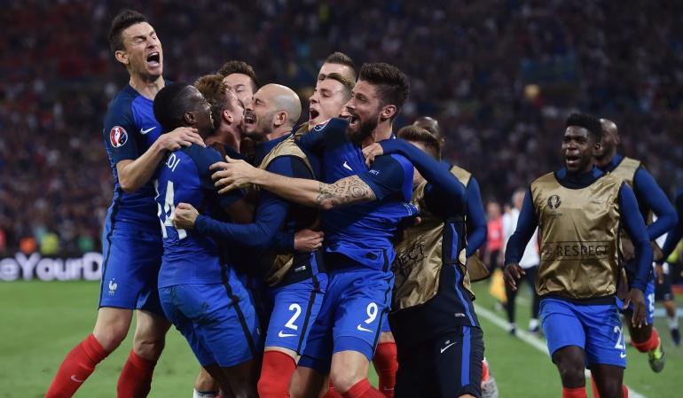 Francia se juega el liderato del grupo con Suiza