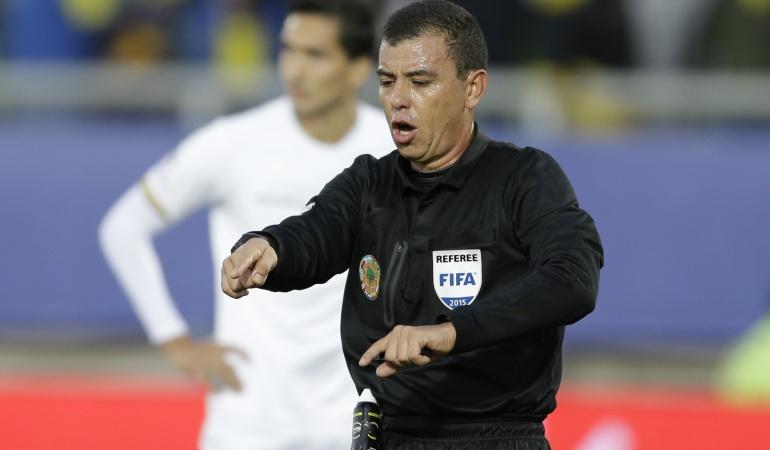 Joel Aguilar, árbitro salvadoreño.
