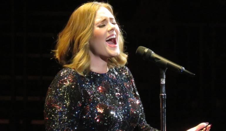 """25 de Adele en Spotify, Apple Music, Google Play Music, y Amazon Prime Music: Adele por fin saca en plataformas vía streaming su álbum """"25"""""""