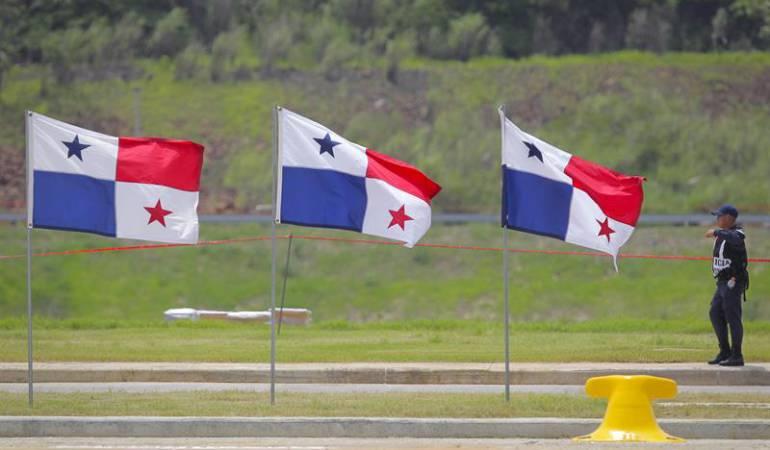 Despliegue de patriotismo en la inauguración del nuevo Canal de Panamá