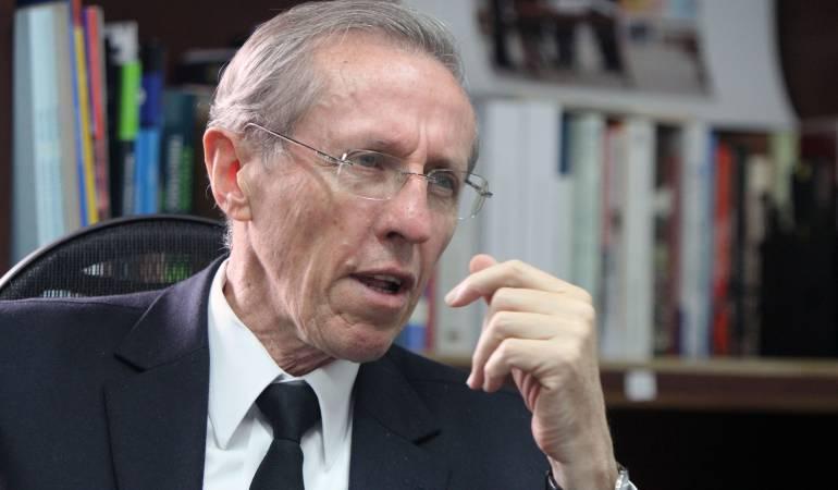 """""""El presidente Juan Manuel Santos no roba, pero deja robar"""": Navarro Wolff: """"El presidente Juan Manuel Santos no roba, pero deja robar"""": Navarro Wolff"""