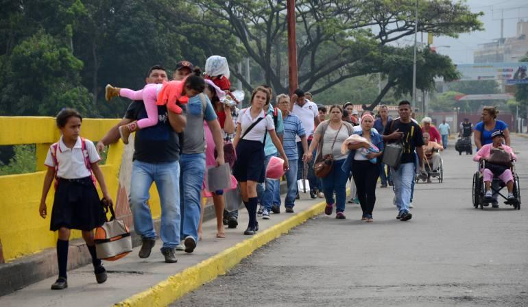 Autorizan el paso de venezolanos a Colombia por 12 horas