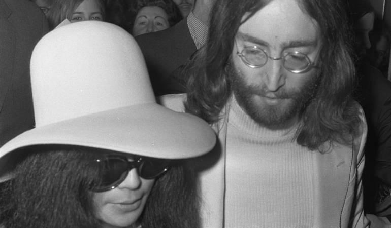 "Subastan el auto que John Lennon usó en ""Imagine"": Sale a subasta un auto que Lennon usó para promocionar ""Imagine"""