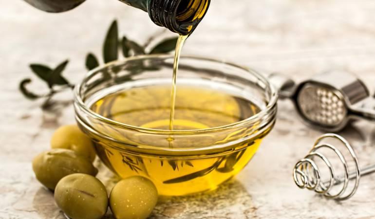 """Los expertos afirman: """"vegetal"""" no siempre significa """"saludable"""", advierten: Los aceites vegetales que pueden ser dañinos para tu salud"""