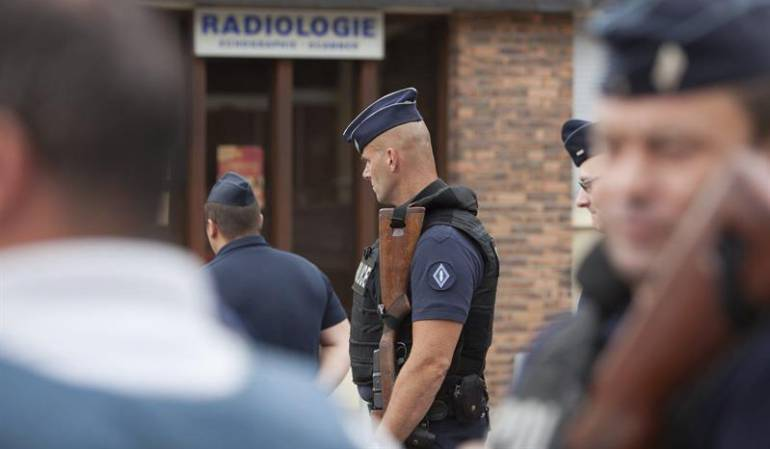 Identifican a uno de los atacantes contra una iglesia en Francia