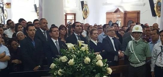 Funeral de Juan Mario Laserna: [En fotos] Amigos, familiares, seguidores y colegas asisten a funeral de Juan Mario Laserna