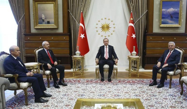 Censura a medios en Turquía: La FIP pide que Erdogan rinda cuentas por violar la libertad de prensa