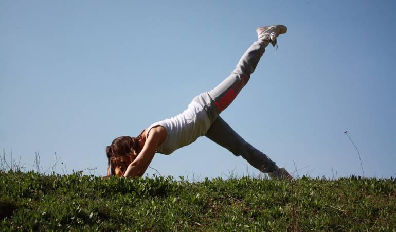 Actividad física para mantener la figura utilizando espacios públicos: Rutina de ejercicios para mantener la figura sin necesidad del gimnasio