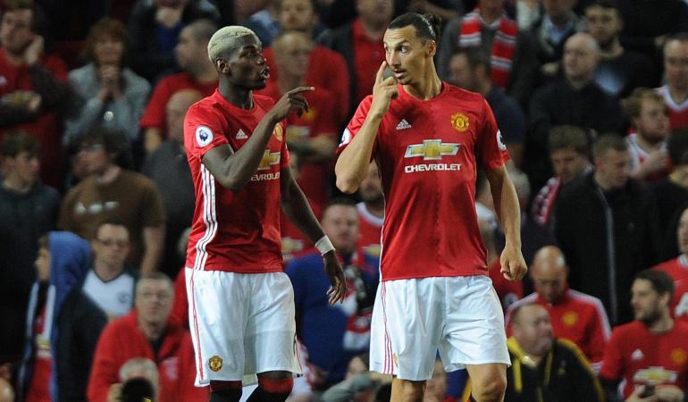 Doblete de 'Ibra' en el debut de Pogba con el Manchester United