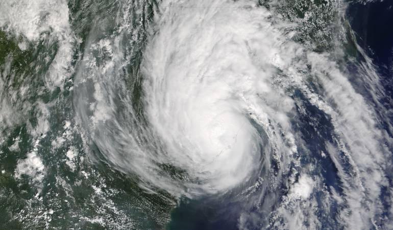 Huracanes Atlántico: Se fortalece el huracán Gastón en el Caribe