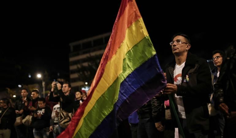 Padres no tienen que renunciar a su pareja homosexual para tener custodia de sus hijos