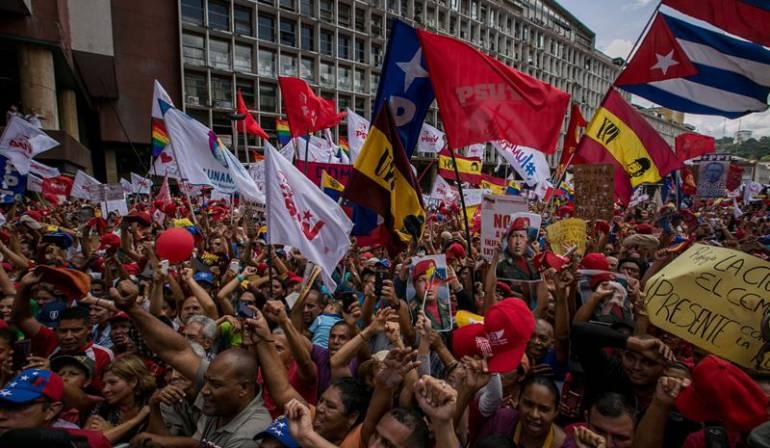 Contramarcha Caracas chavismo: Chavismo llama a partidarios a una contramarcha en Caracas en apoyo a Maduro