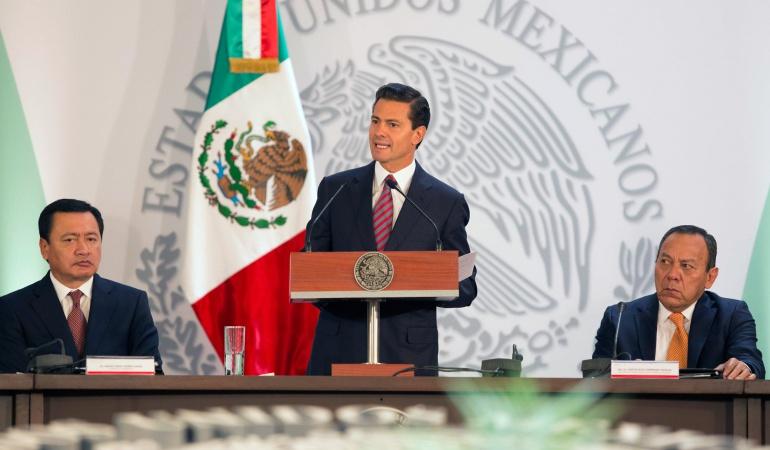 Peña Nieto dice a Trump que los inmigrantes mexicanos merecen respeto
