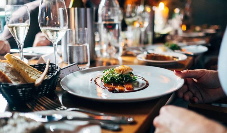 Es recomendable acostarse luego de comer: ¿Hasta qué hora es sano comer en la noche antes de acostarse?