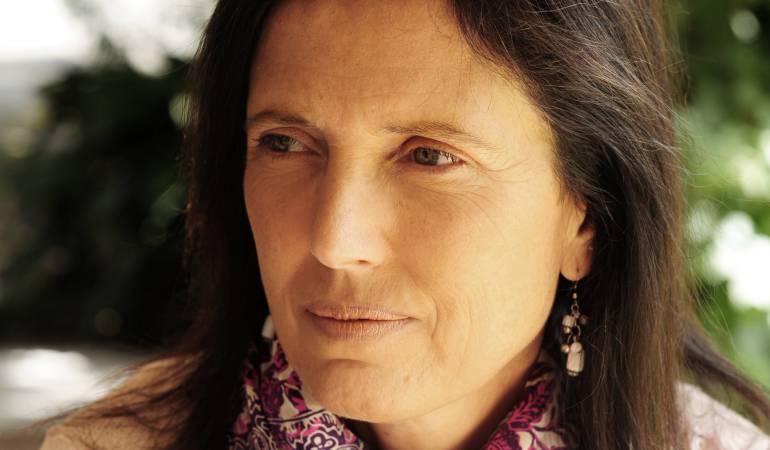 Claudia Piñeiro, literatura: Claudia Piñeiro, una escritora de buenos encuentros detrás de las imágenes