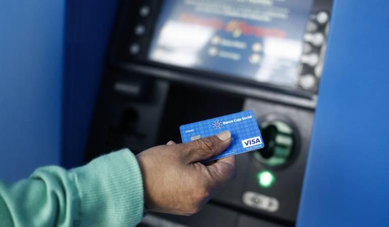 La policía frustró una clonación masiva de tarjetas de crédito en Boyacá: La policía frustró una clonación masiva de tarjetas de crédito en Boyacá
