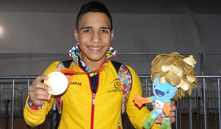 Carlos Serrano gana plata en Paralímpicos y es triple medallista en Río 2016