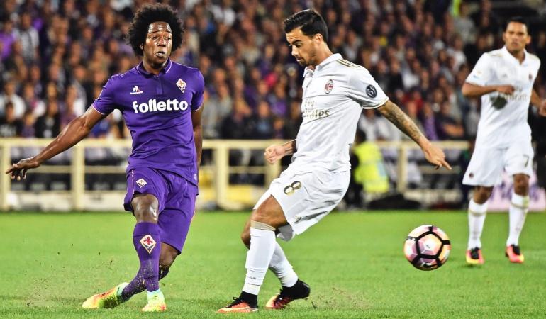 Fiorentina 0-0 Milan Carlos Bacca Carlos Sánchez: Bacca y Sánchez no se sacan diferencias en el empate 0-0 entre Fiorentina y Milan