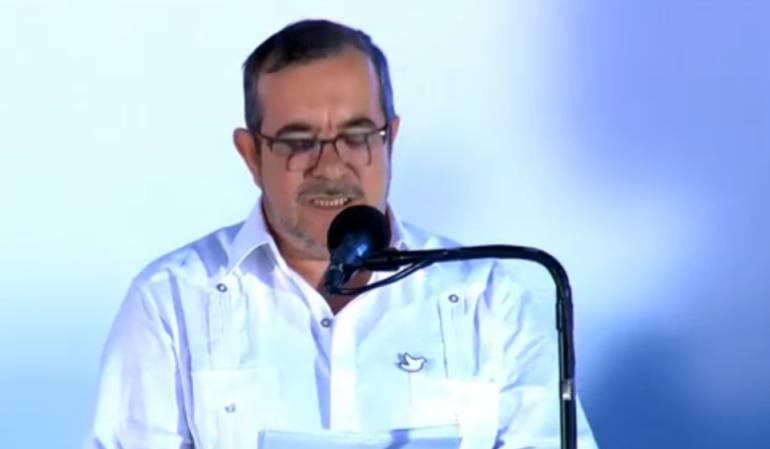 El exjefe de las Farc firmó con Santos el acuerdo de fin de su guerrilla: Las Farc piden perdón a todas las víctimas del conflicto