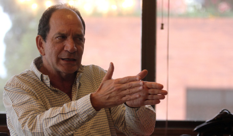 Es más importante la CPI, que Uribe y el exprocurador: Juan Carlos Henao