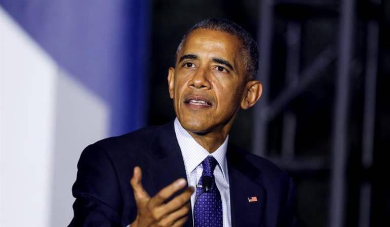"""Obama saluda la designación de Santos como Nobel de Paz: Obama celebra el Nobel para Santos por su """"valiente liderazgo"""" hacia la paz"""