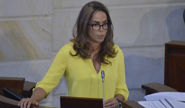 Tras resultados del plebiscito, Gina Parody renuncia al Ministerio de Educación