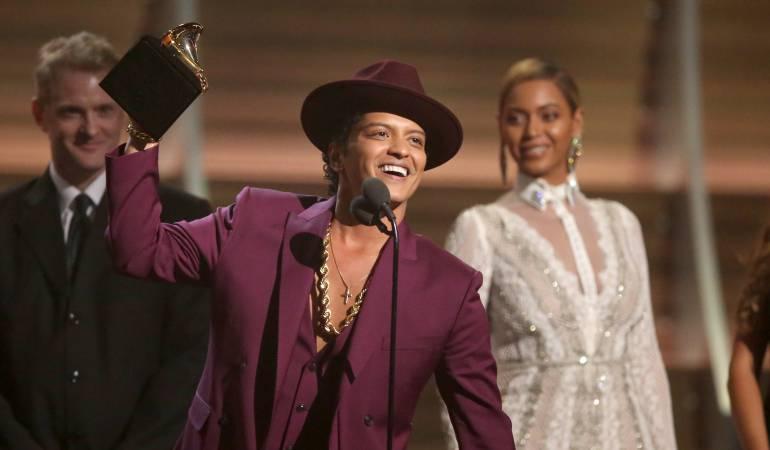 """Bruno Mars lanza su nuevo sencillo """"24K Magic"""": [Video] El nuevo sencillo de Bruno Mars """"24K Magic"""""""