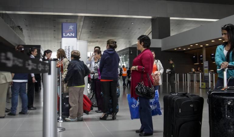 Cifras de multas pagadas por aerolíneas en lo corrido del año: Aerolíneas pagaron $31.541 millones en compensaciones a los pasajeros: Aerocivil