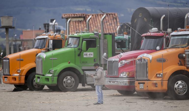 Se frena el paro camionero, se acordó un nuevo decreto de chatarrización