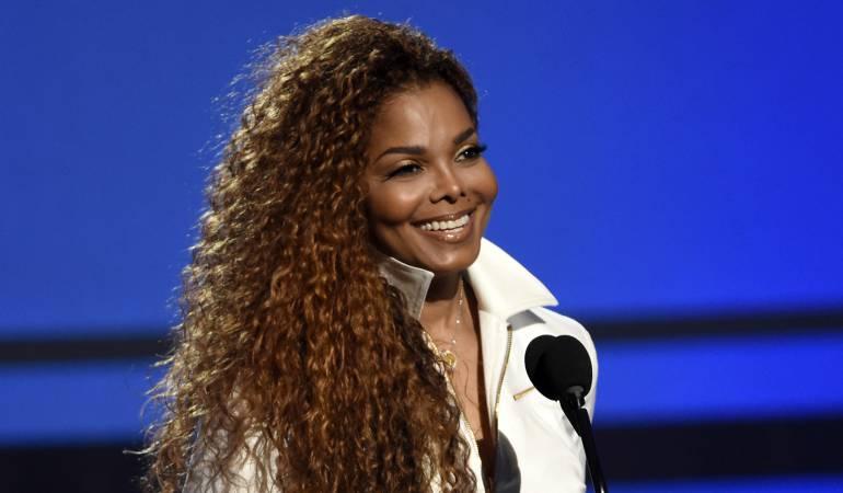 Así va el embarazo de Janet Jackson: [Foto] Janet Jackson muestra su embarazo por primera vez