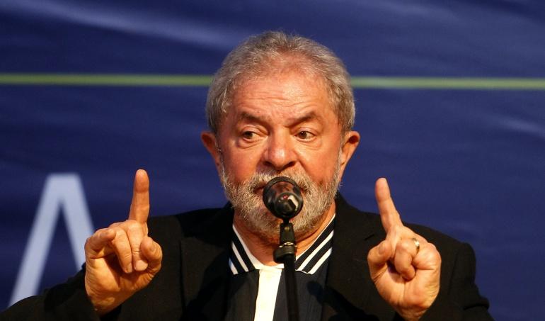 Un juez imputa a Lula por supuestamente recibir sobornos de constructora