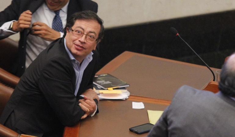 Petro reaparece con denuncia al secretario de seguridad de Bogotá