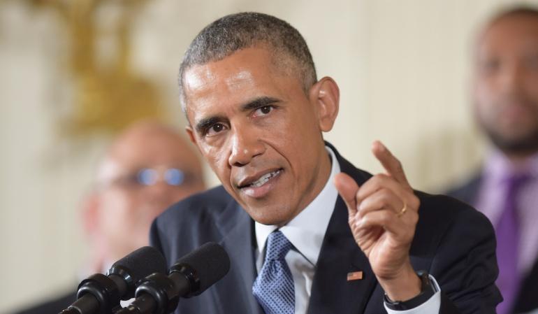 Obama busca el voto negro y joven mientras Clinton apuesta por Arizona