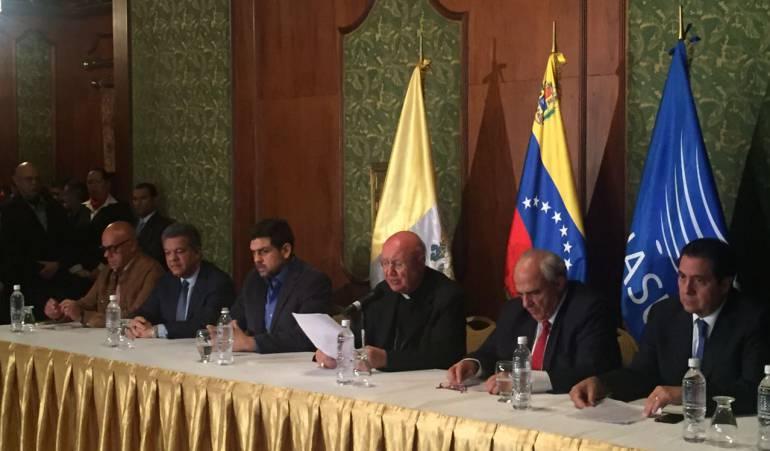 Gobierno y Oposición de Venezuela acuerdan restituir orden constitucional