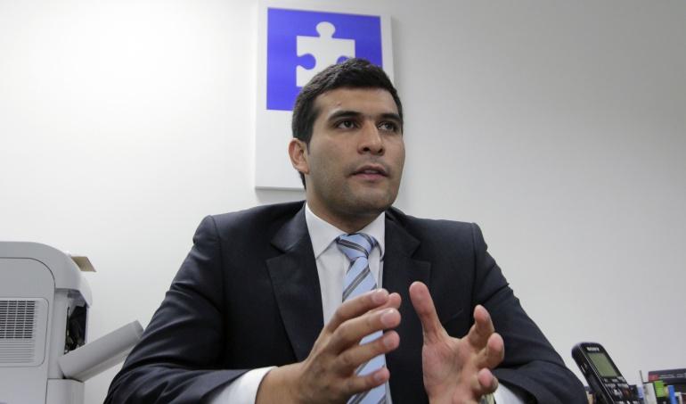 Óscar Iván Zuluaga anuncia acciones legales tras declaraciones sobre caso hacker