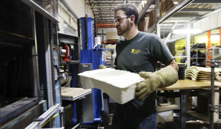 Muebles fabricados con hongos: Una fábrica de Nueva York crea muebles con hongos